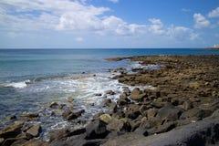 Сцена 010 скалистого пляжа Лансароте Стоковая Фотография RF
