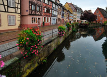 Сцена улицы городка Кольмара, Франция Стоковое фото RF
