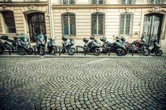 Сцена улицы Парижа стоковые изображения rf