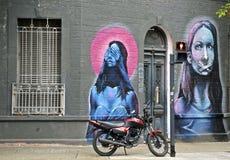 Сцена улицы с граффити в Буэносе-Айрес Стоковое Изображение RF