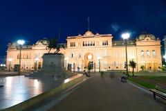Сцена Nighttime в городе Буэноса-Айрес стоковое изображение