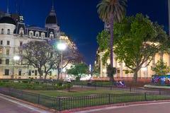 Сцена Nighttime в городе Буэноса-Айрес стоковые изображения rf