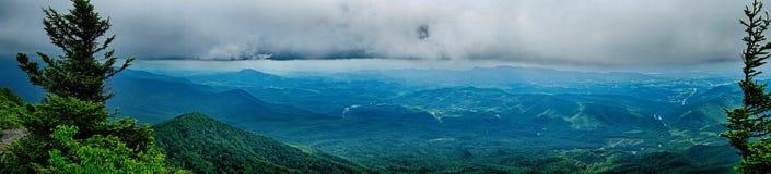 Сцены вдоль аппалачского следа в больших закоптелых горах Стоковые Изображения