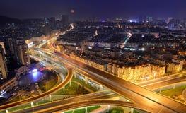 Сцены ночи в Qingdao стоковые изображения rf