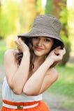Счастливая молодая женщина Стоковое Изображение RF