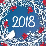 Счастливая предпосылка Нового Года 2018 Венок отрезка бумаги с ветвью рябины Стоковое Фото