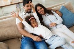 Счастливая семья имея времена потехи Стоковое Изображение RF