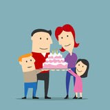Счастливая семья празднуя с большим тортом иллюстрация вектора