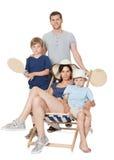 Счастливая семья с дет на белой предпосылке Стоковые Фото