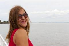 Счастливая ся возмужалая женщина стоковое изображение rf