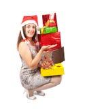 счастливое девушки подарков изолированное над белизной Стоковая Фотография RF