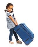 счастливое девушки предпосылки изолированное над туристской белизной Стоковые Фотографии RF