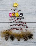 Счастливое дерево 2018 Нового Года Стоковые Изображения RF