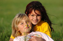 счастливое лето малышей Стоковые Изображения