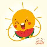 Счастливое лето Солнце смотрит на с куском арбуза Стоковые Фото