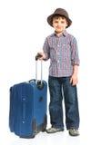 счастливое мальчика предпосылки изолированное над туристской белизной Стоковое Изображение RF