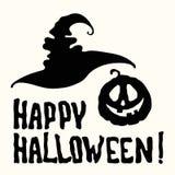 Счастливое название хеллоуина с шляпой ведьмы, пугающей тыквой стороны стоковое фото rf