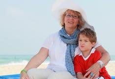 Счастливые бабушка и внук Стоковое фото RF