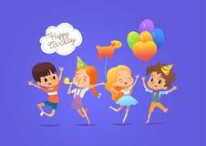 Счастливые дети при воздушные шары и шляпы дня рождения счастливо скача с их руками вверх против голубой предпосылки День рождени бесплатная иллюстрация