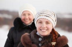 счастливые женщины зимы Стоковое фото RF