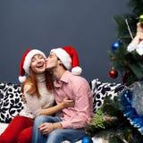 Счастливые пары, cristmas Стоковое Изображение