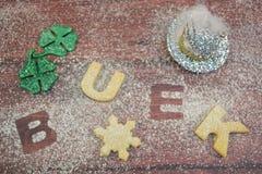 Счастливые печенья Новый Год стоковые изображения