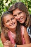 счастливые сестры Стоковое Изображение