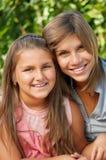 счастливые сестры Стоковые Фотографии RF