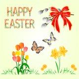 Счастливые daffodil и тюльпаны украшения пасхи на зеленых траве и бабочке, willov pussy и смычке Сезонные праздники в апреле Spri бесплатная иллюстрация