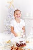 Счастливые girs помогая комплекту таблица Стоковая Фотография