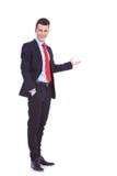 Счастливый бизнесмен давая представление Стоковая Фотография