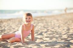 Счастливый малыш напольный Стоковая Фотография