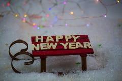 Счастливый Новый Год, написанный, письма на скелетоне Стоковое Изображение