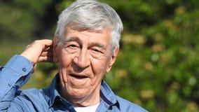 Счастливый старший испанский человек видеоматериал
