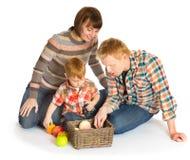 Счастливый усмехаться портрета семьи Стоковые Изображения RF
