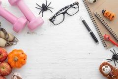 Счастливый фестиваль хеллоуина Плоское положение приспосабливает активный здоровый образ жизни стоковая фотография rf