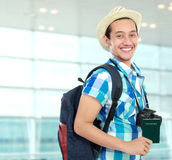 Счастливый backpacker стоковые изображения rf