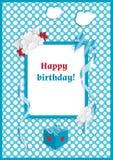 Счастлив-Дн рождения-оформление-вектор-дизайн-для-приветстви-карта-и-плакат-с-смычок, - цветки, - лент-на-голуб-горох-предпосылка бесплатная иллюстрация