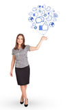 Счастливая дама держа социальный воздушный шар значка Стоковая Фотография