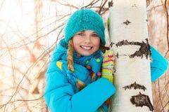 Счастливая девушка в лесе Стоковое Изображение