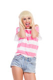 Счастливая женская кричащая вне громкая Стоковая Фотография