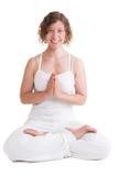 Счастливая женщина йоги - женщина изолированная на белой предпосылке стоковая фотография