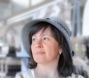 счастливая женщина шлема Стоковые Фотографии RF