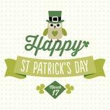 Счастливая карточка дня St Patricks с милым сычом Стоковые Изображения RF