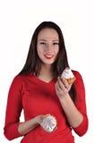 Счастливая красивая женщина с тортами Стоковое Фото