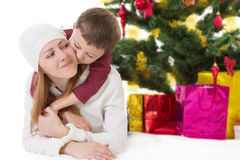 Счастливая мать с обнимать мальчика Стоковые Фотографии RF