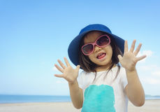 Счастливая милая азиатская девушка Стоковые Изображения RF