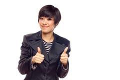 Счастливая молодая женщина смешанной гонки с большими пальцами руки вверх на белизне Стоковые Фотографии RF