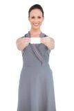 Счастливая обольстительная модельная визитная карточка показа стоковые фото
