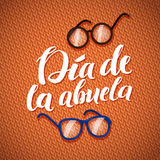 Счастливая поздравительная открытка каллиграфии дня дедов на оранжевом Knitt Стоковые Фотографии RF